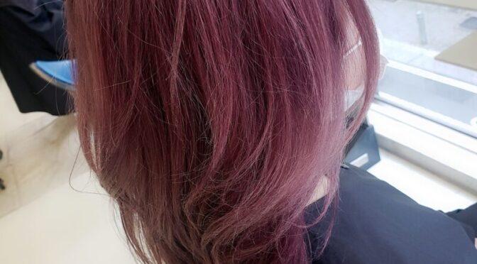 ピンクで韓国風ヘアカラー